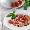 Mezze maniche ricotta pomodorini e basilico